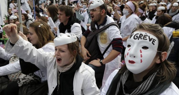greve des sages-femmes manifestation a paris